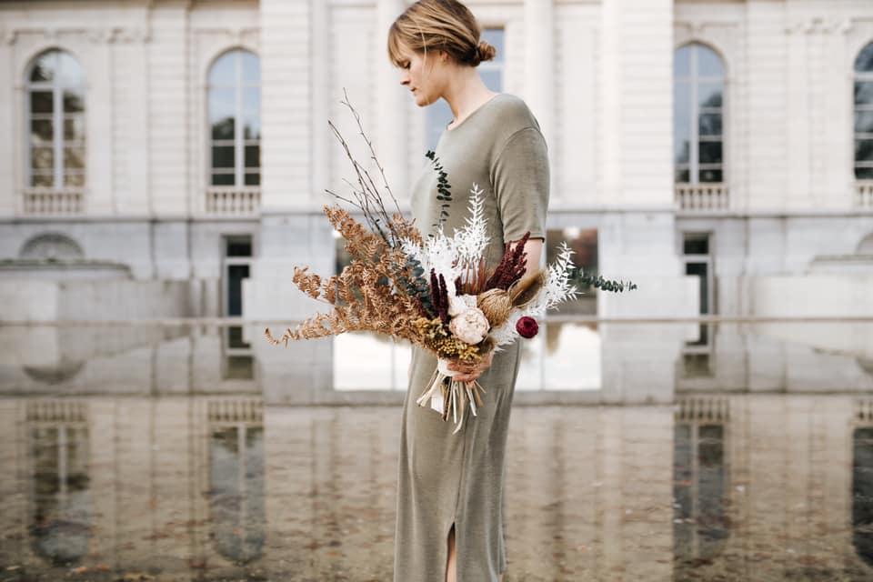léone close fleurs séchées