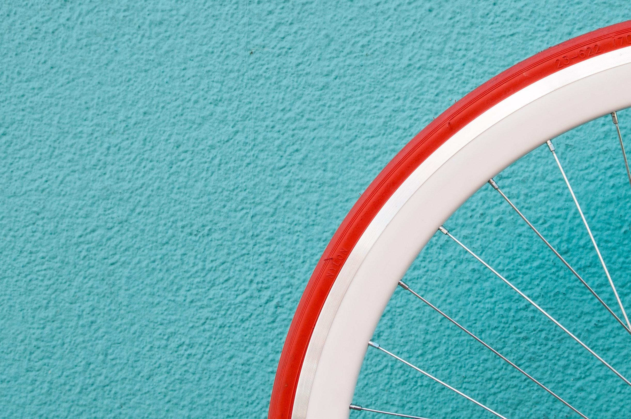 baromètre cycliste - unsplash - alessandra caretto