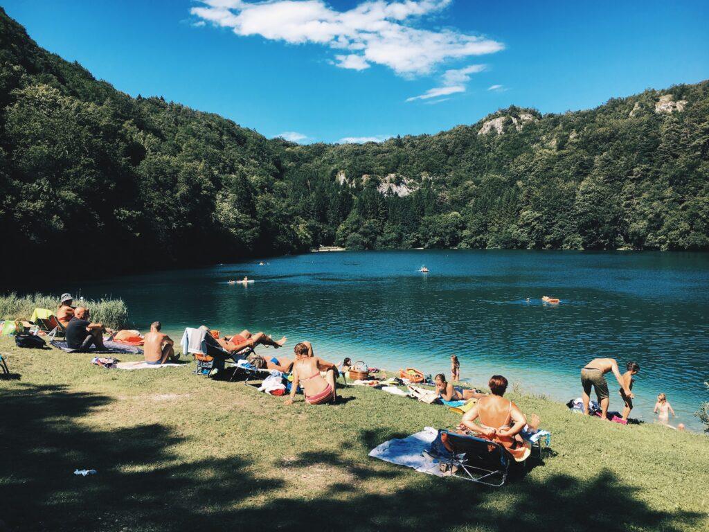 Lieux de baignade Wallonie DR Unsplash Michael Martinelli points d'eau lac